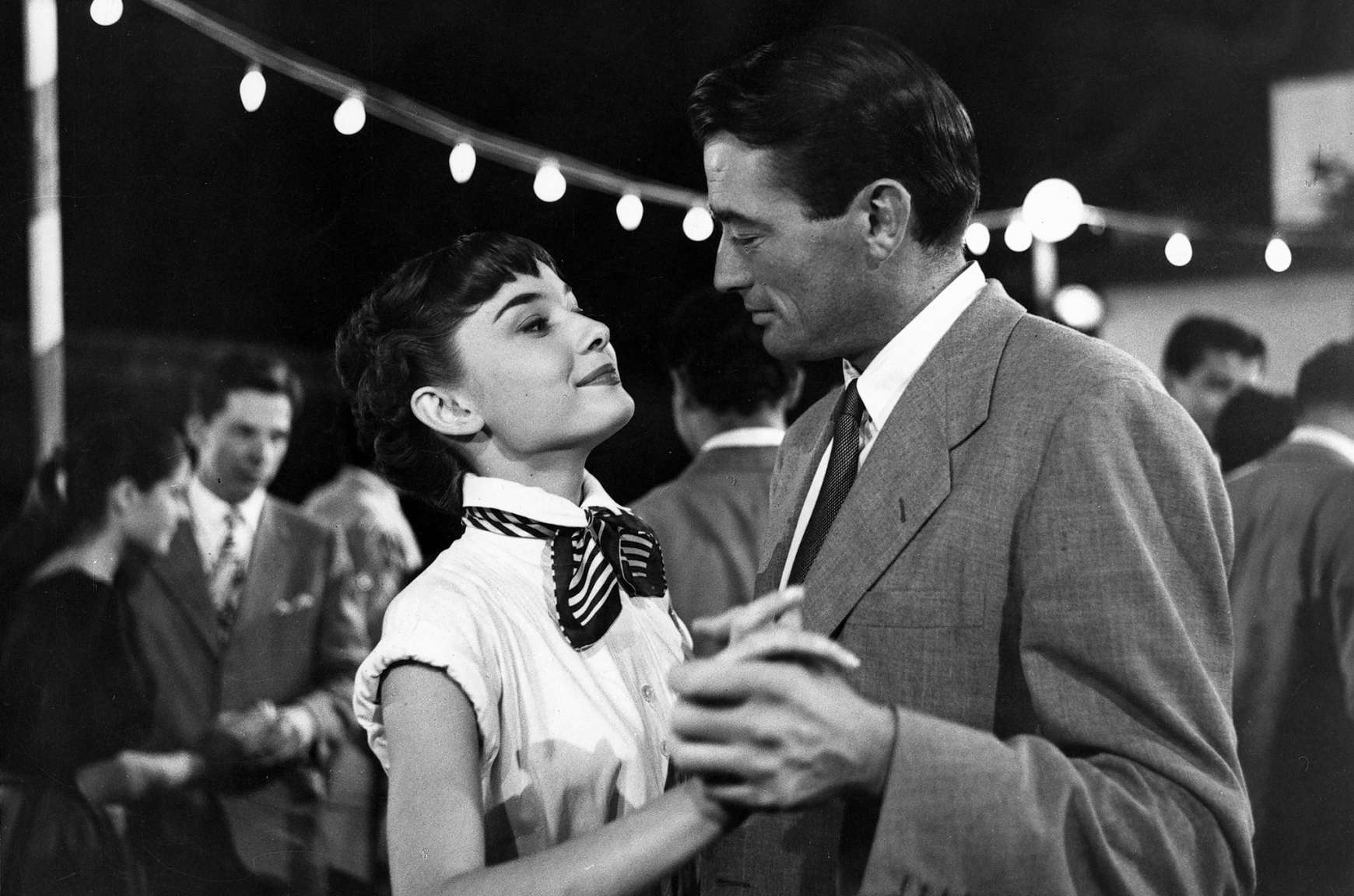 Clip of Audrey Hepburn and Gregory Peck dancing in Roman Holiday
