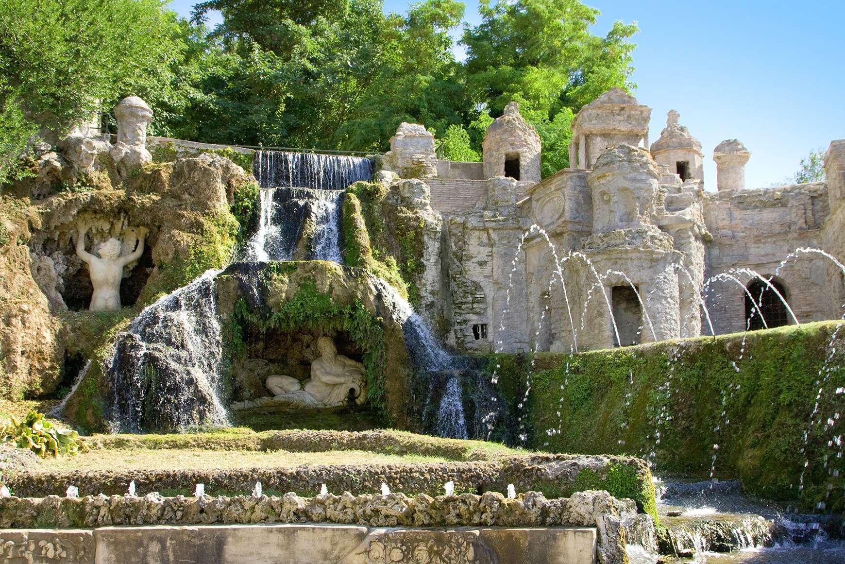 Two story fountain of Neptune at Villa d'Este in Tivoli, Italy