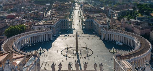 Bird's eye view of St. Peter's Square in Rome
