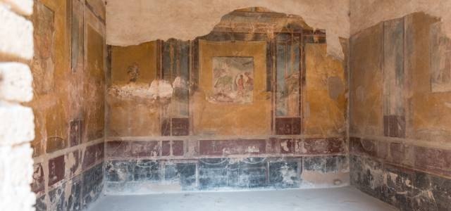 Fresco paintings, Pompeii, Italy
